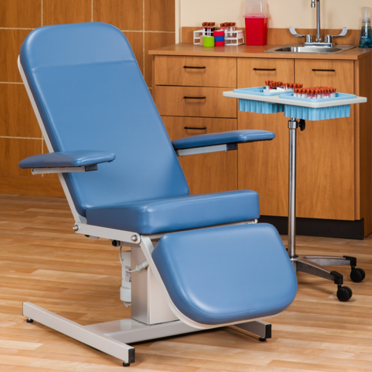 Phenomenal Clinton 6810 Power Hi Lo Reclining Blood Draw Chair Beatyapartments Chair Design Images Beatyapartmentscom