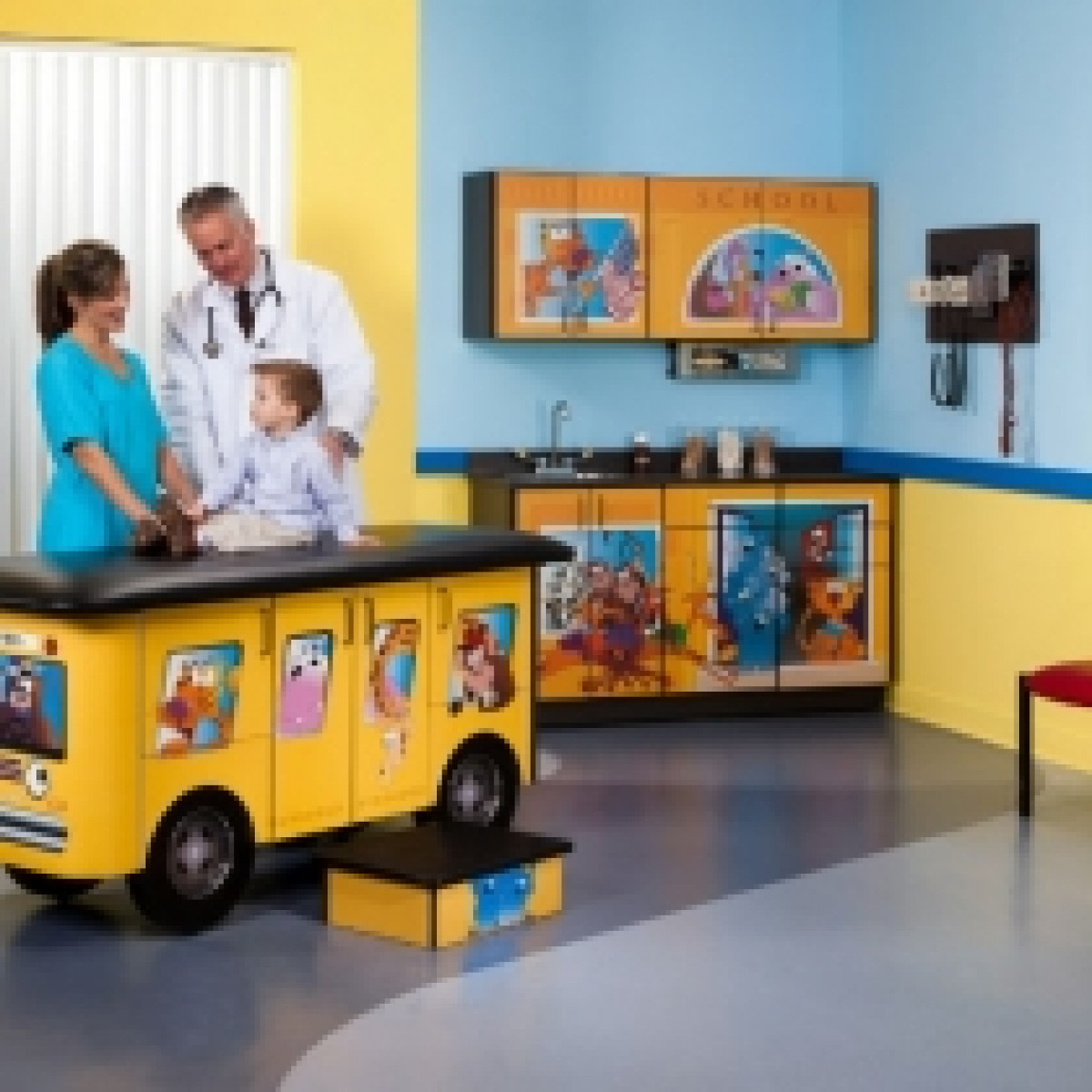 Clinton 7020 X Zoo Bus Exam Room Package